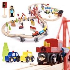 Medinis žaislų rinkinys Traukinio bėgiai, traukinukai ir priedai 70 dalių