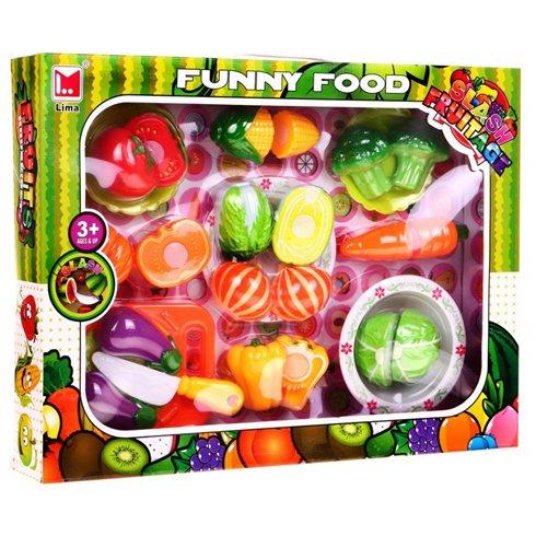 Pjaustamos daržovės su peiliuku ir lėkštėmis