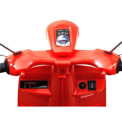 Motoroleris Vespa  šoniniais ratais PTP00139